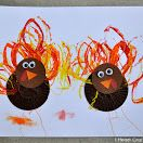 Cupcake Liner Turkey Craft #Thanksgiving