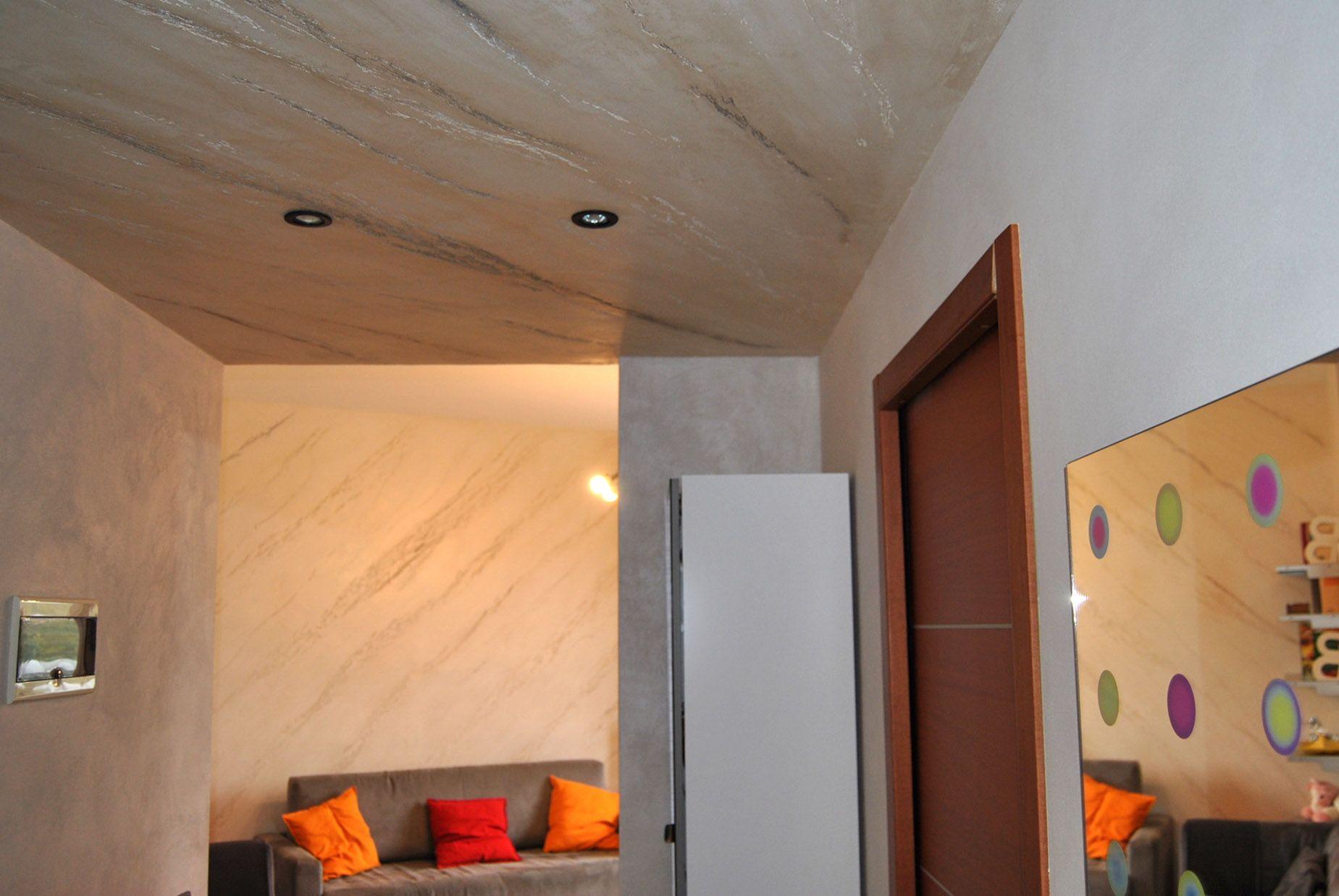 Istinto pietra spaccata a soffitto per dare classe ed eleganza