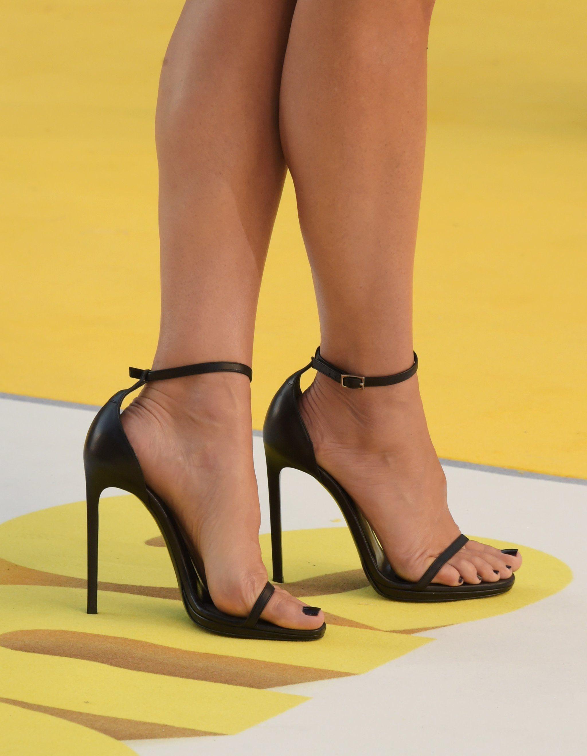 see through Feet Sandra Bullock naked photo 2017