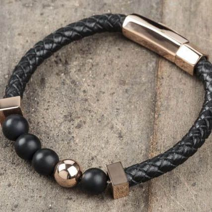 Style up your wardrobe with this trendy rose gold bracelet from Vitaly