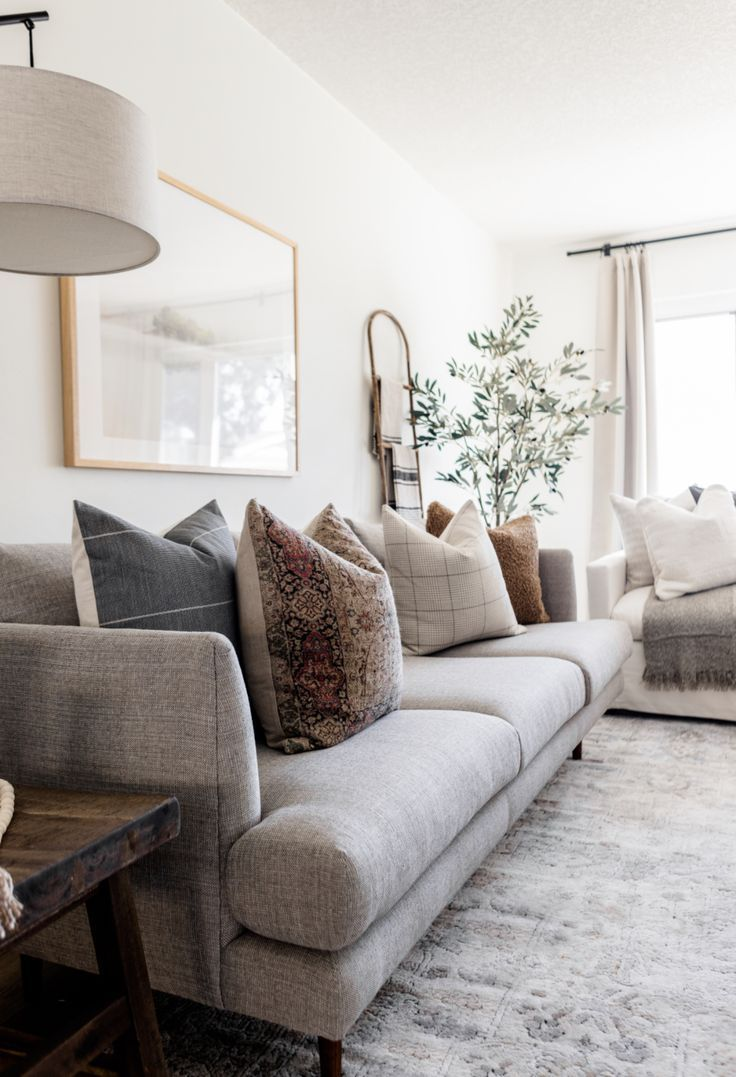 Holiday Pillow Roundup and Styling Tips