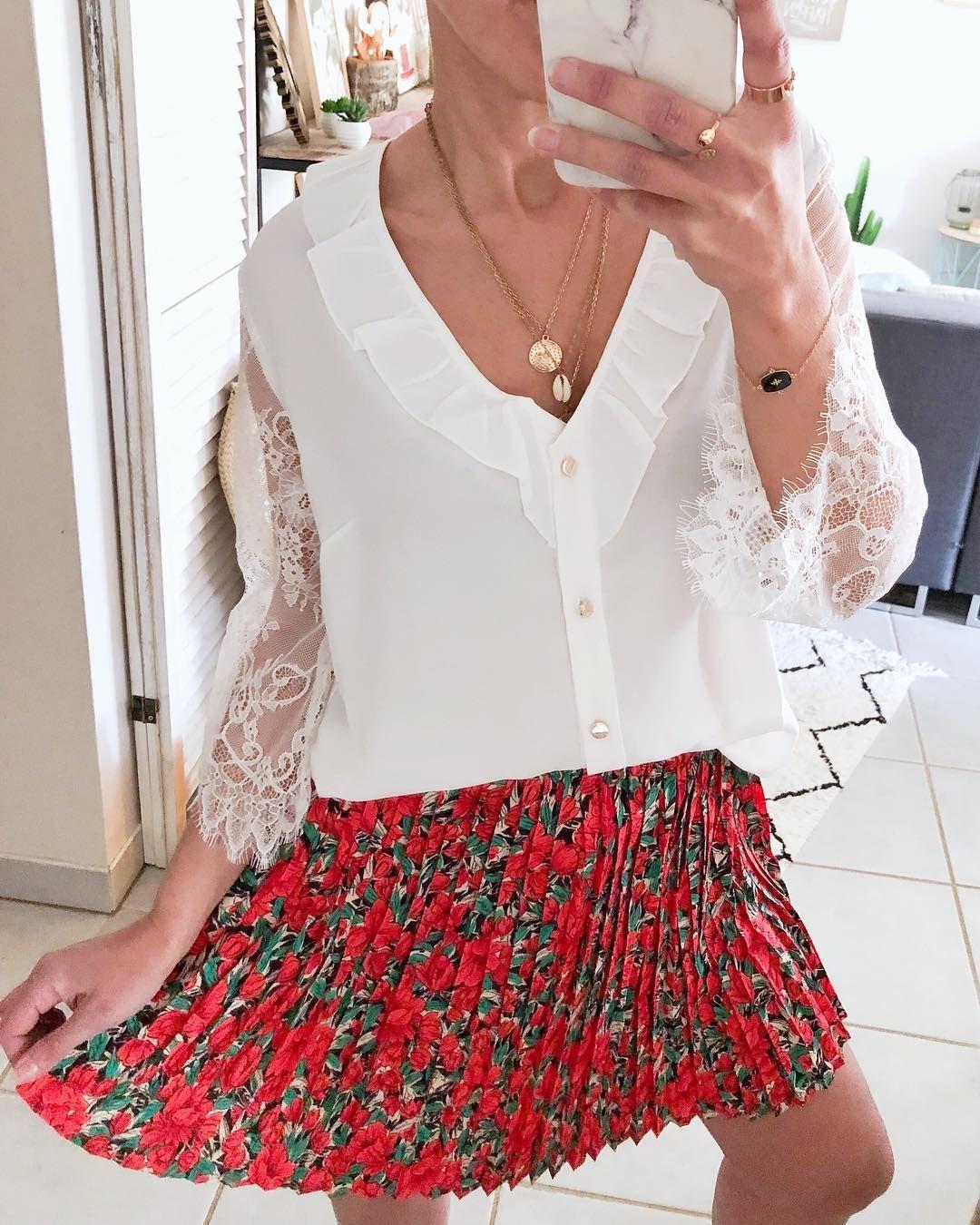 Jolie Jupette Qui Tourne Et Virevolte Beau Dimanche Jupe Cindy Blouse Flora In 2020 Fashion Outfits Fashion Flower Skirt