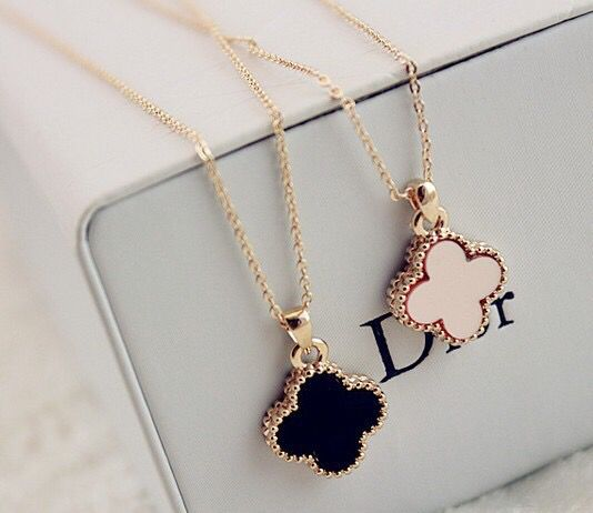 dior four leaf clover flower necklace want wish