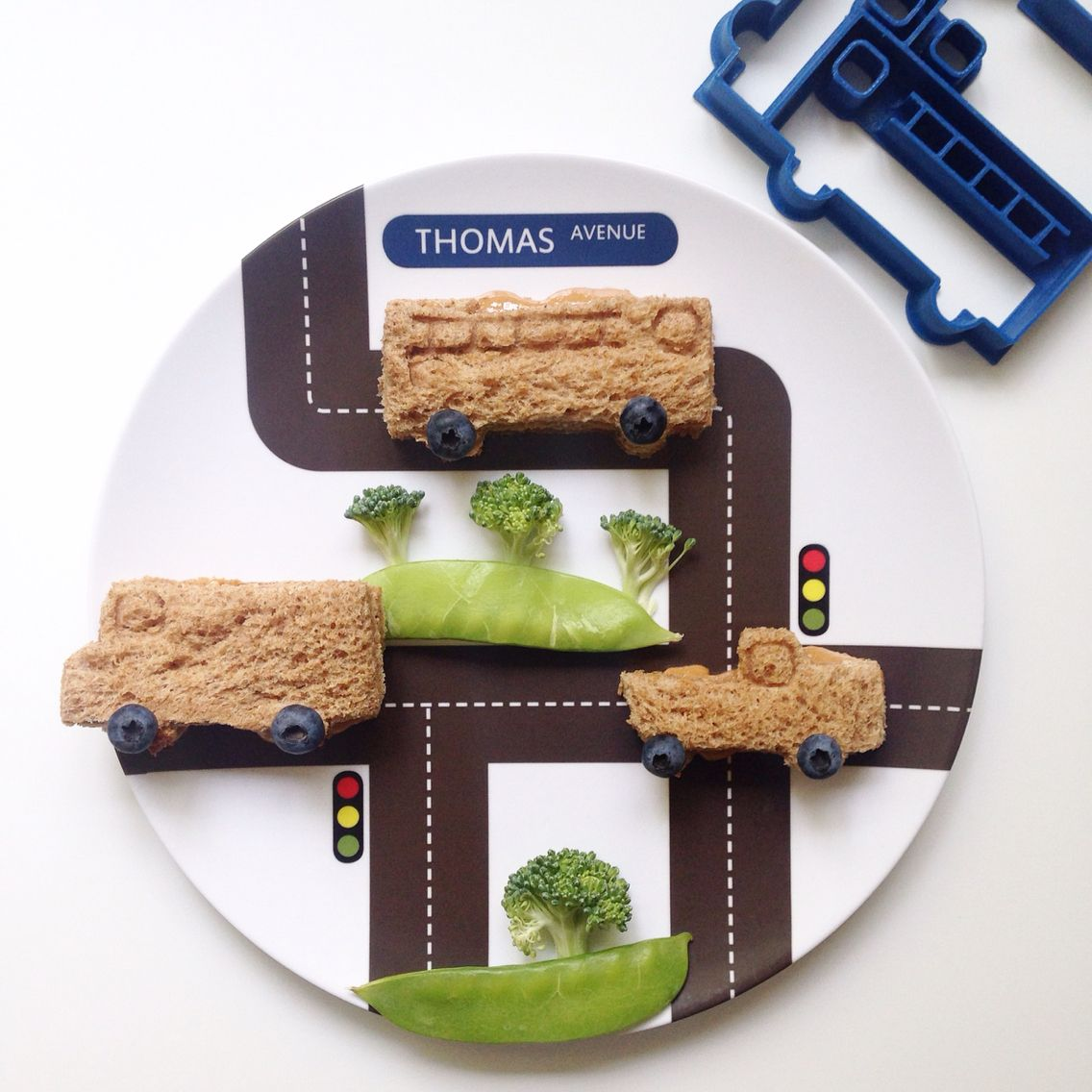 Personalized kids dinner plates with with food cutters to make healthy eating fun. & Little Me - Motors | Fun food for little ones | Pinterest | Fun food ...