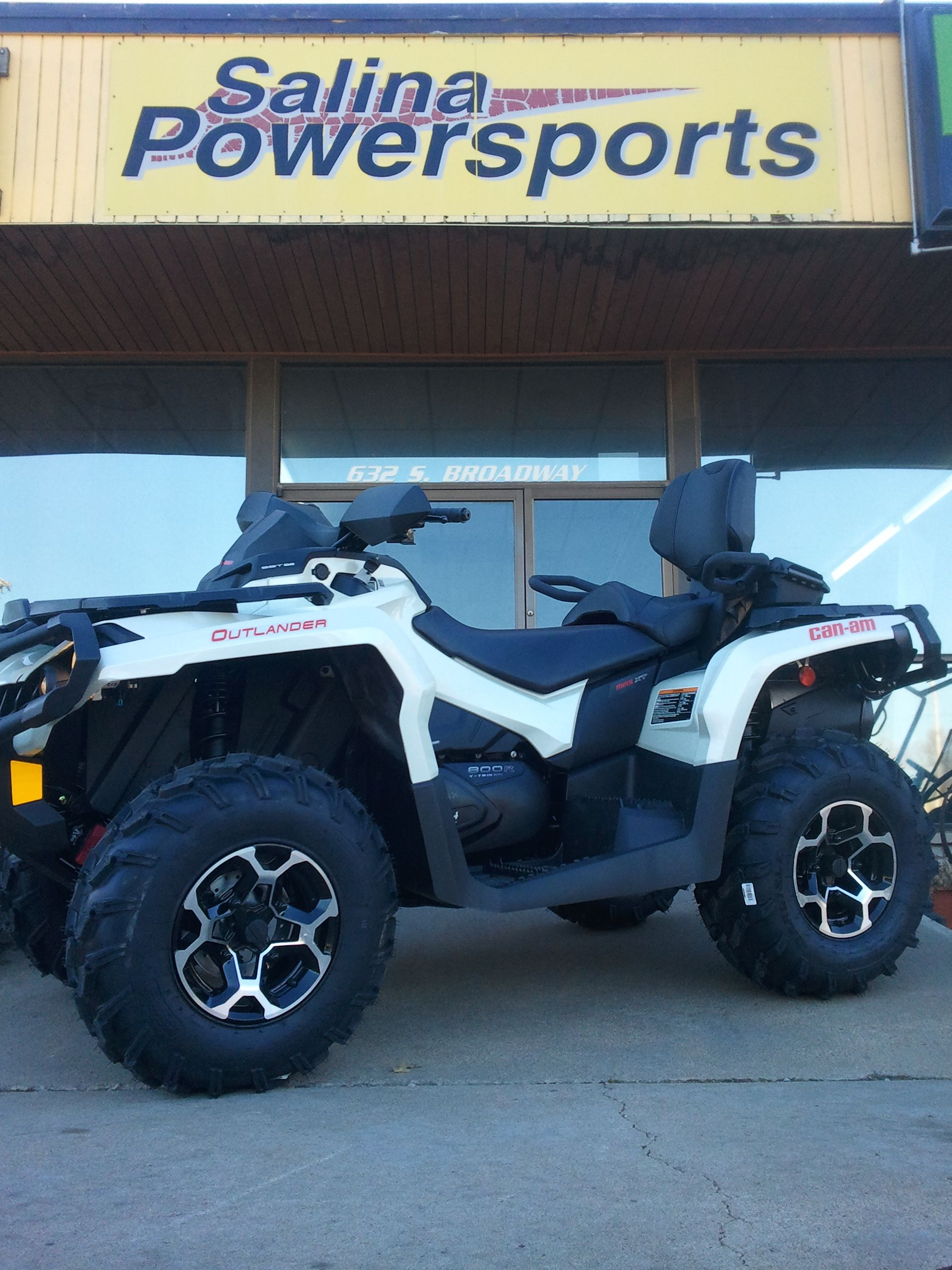 Can am outlander 800 max xt salina powersports