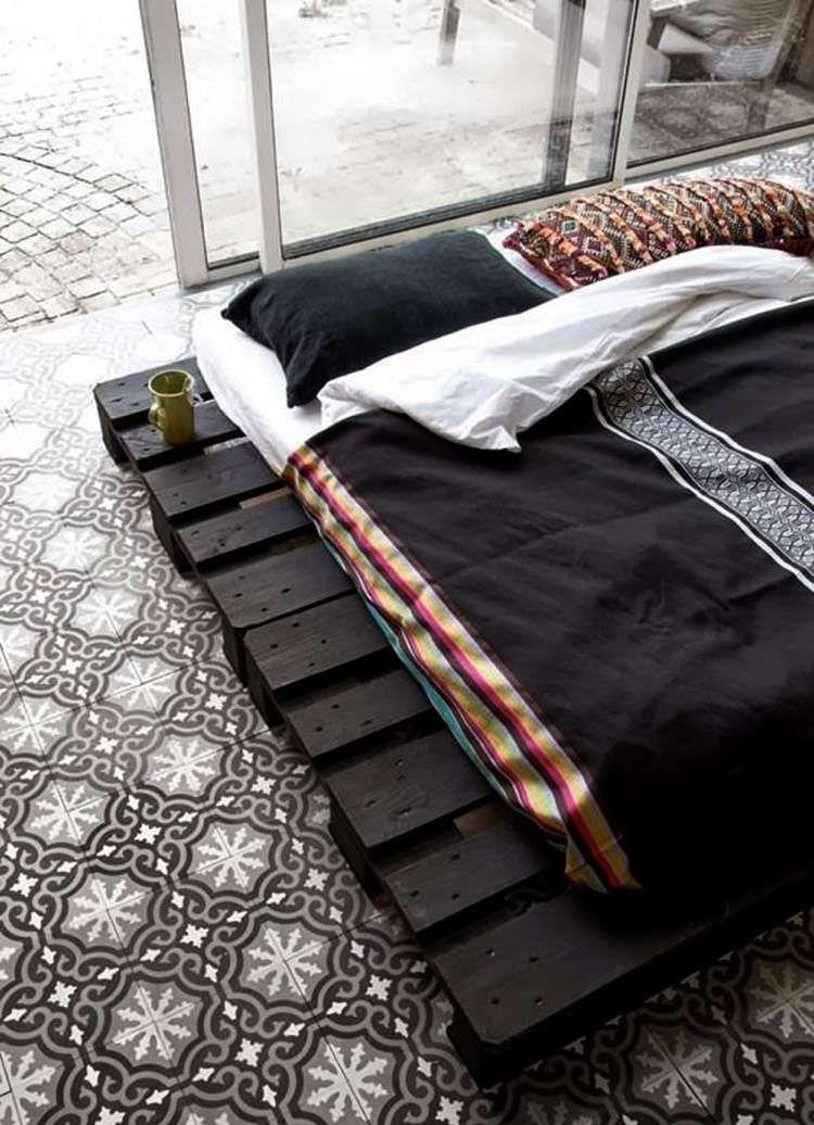 Europaletten schwarz lackiert Wohnideen fürs Schlafzimmer - wohnideen von europaletten