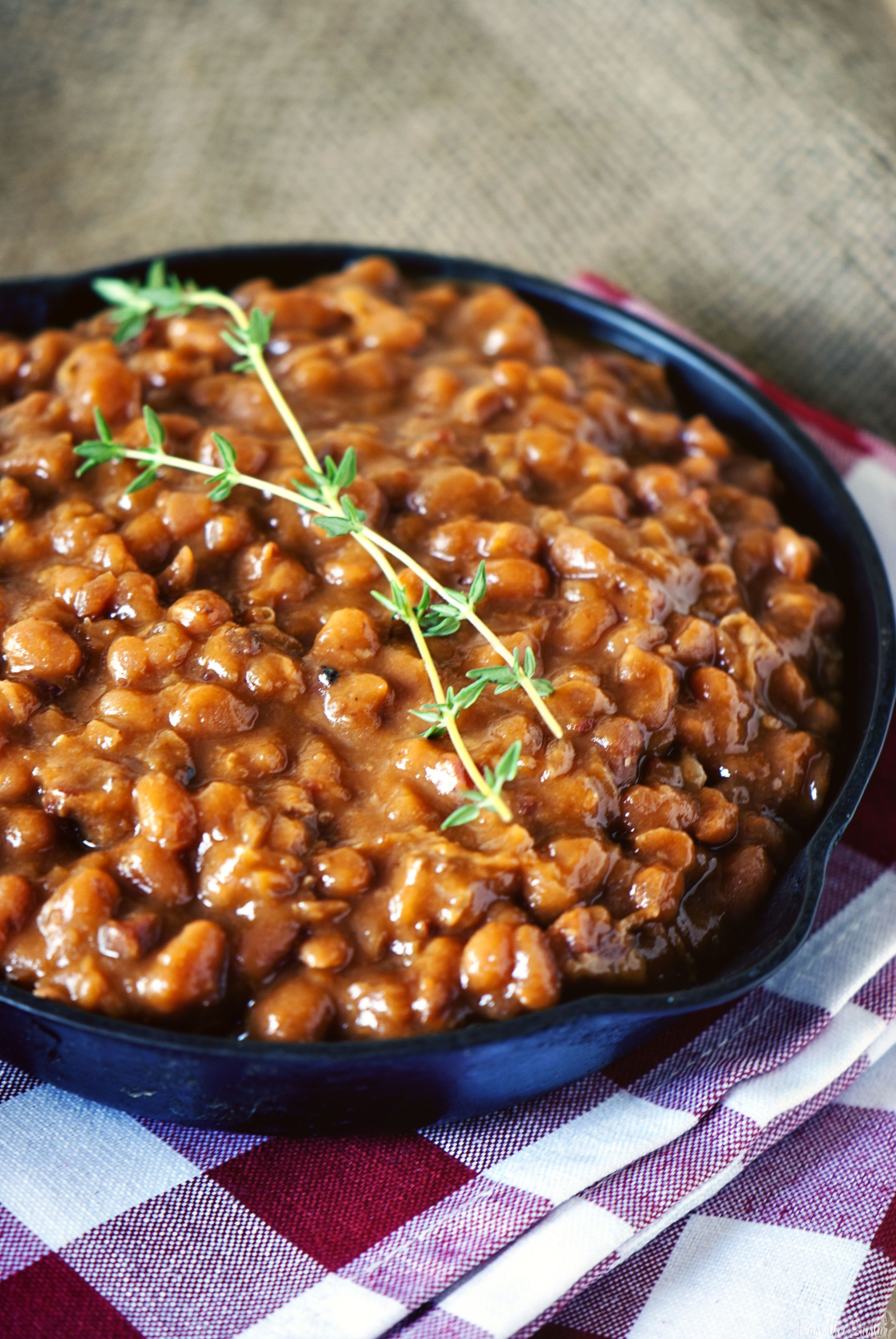 Slow Cooker Barbecue Beans -- Need one more side dish to make your Memorial Day or 4th of July picnic complete?