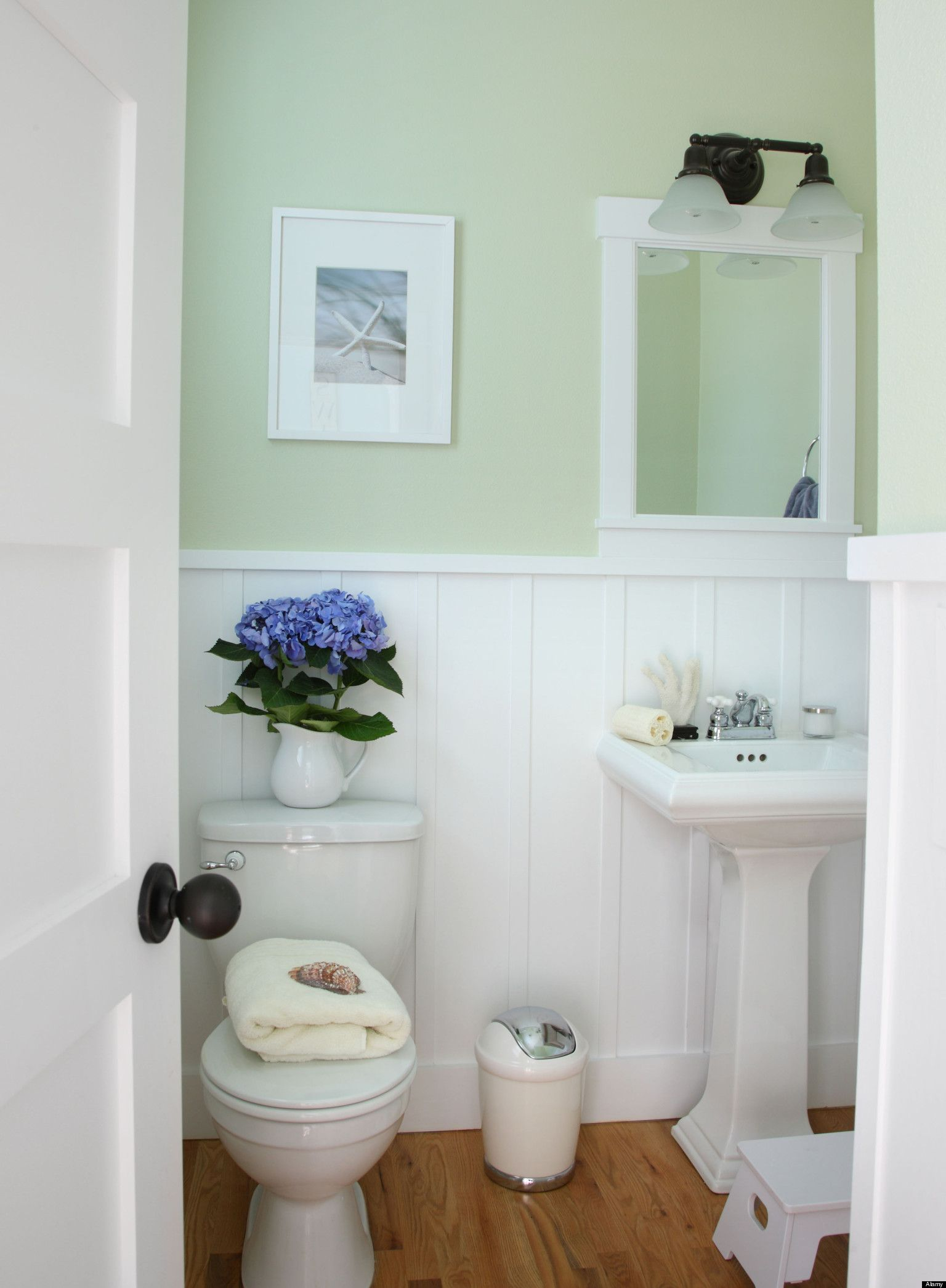 decorating small houses - Google Search | The Loo | Pinterest ...
