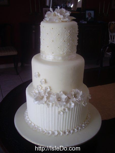 Find This Pin And More On Trinidad Wedding Cakes By Isledo