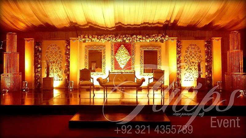 See how to find good wedding planner in pakistan for more www find the best fantastic merigold mehndi stage decoration in pakistan with amber gold lights ambiance effective disco lights dance floor best wedding dj junglespirit Image collections