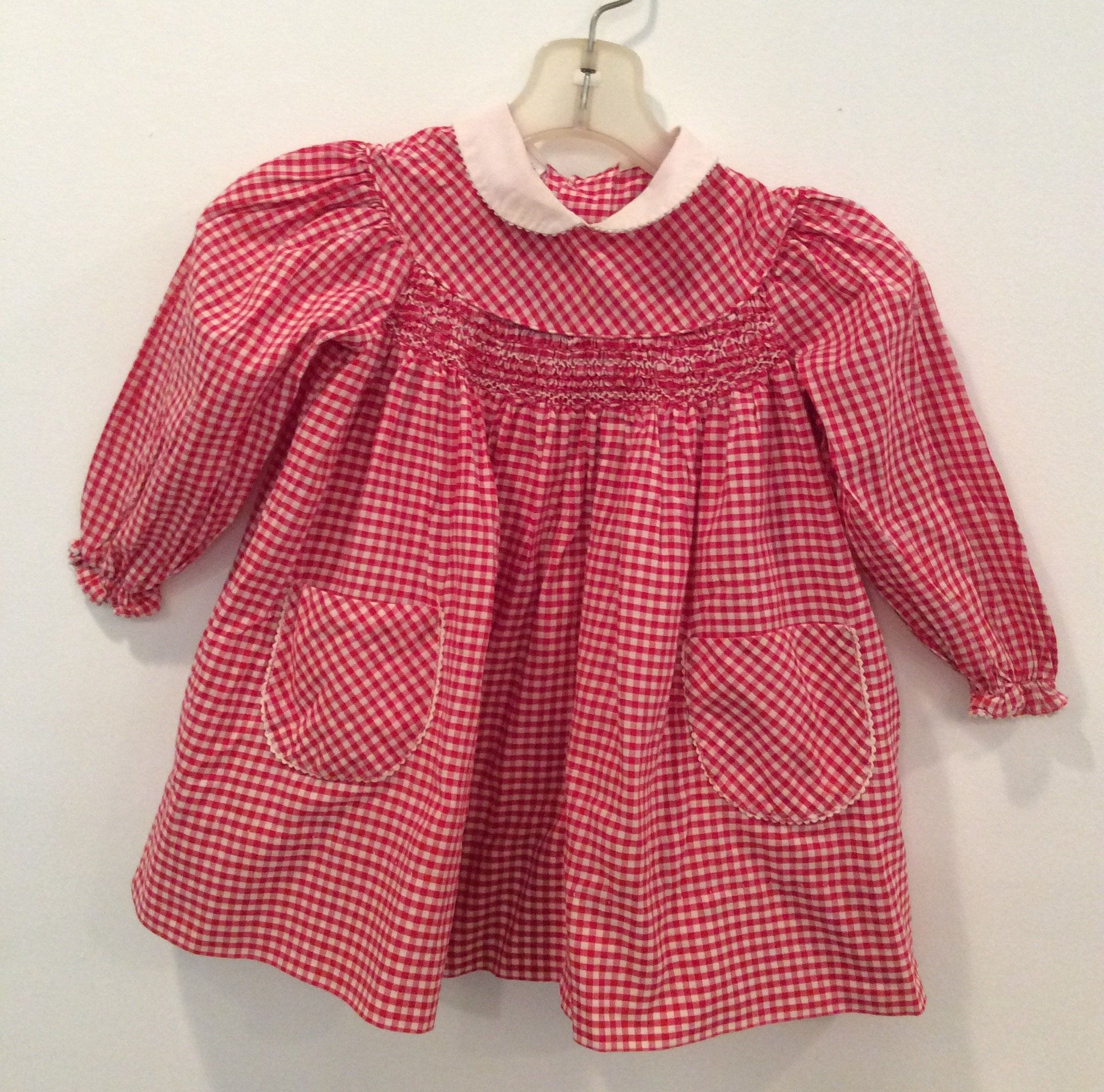 Polly flinders red and white check smocked dress vintage size t