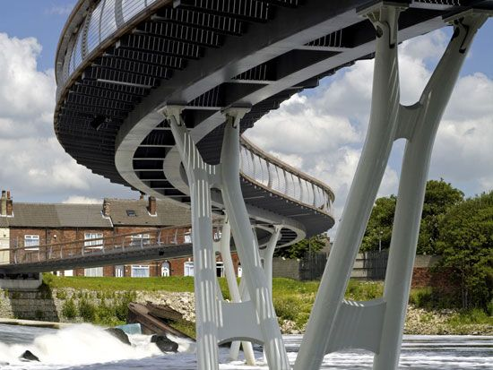 castleford bridge by mcdowell + bendetti. UK.