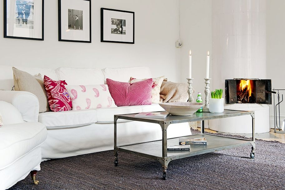 THIS OR THAT: STRIPE VS. SOLID RUG | Solid rugs, Frame placement and ...