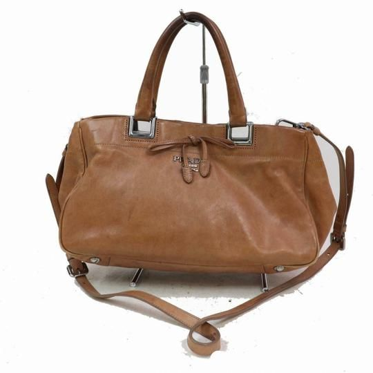688726db75dbe4 Prada Two Way Top Handle Satchel/Cross Body Purse Super Soft Light Coffee  Brown Leather