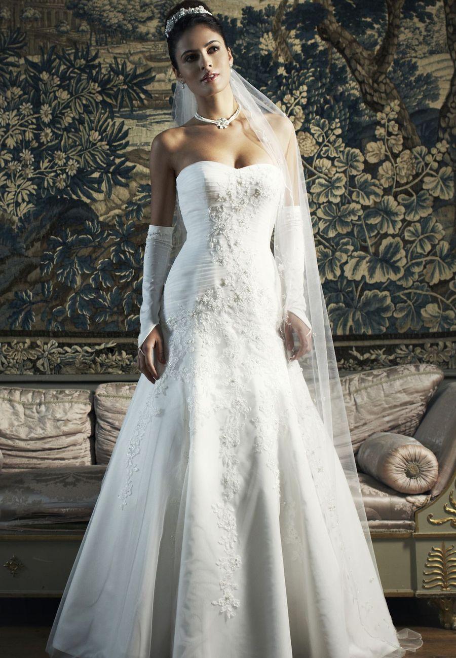 Menyasszonyi Ruha Outlet Katalógus (Lilly és Enzoani)  Kölcsönzési ár   120.000-129.000 b5e8f14503