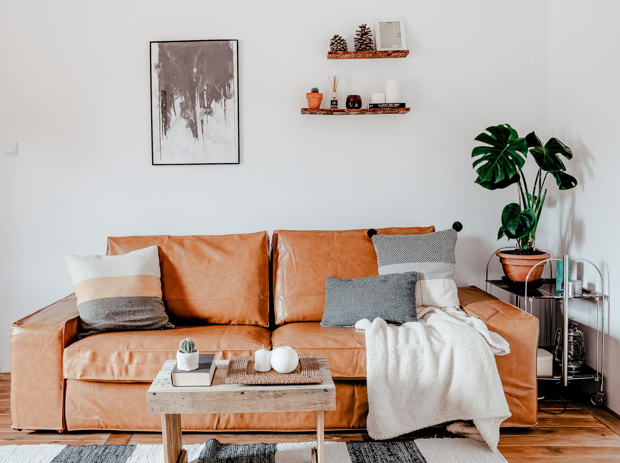 6 Better Alternatives To Throwing Away Your Old Sofa In 2020 Old Sofa Ikea Sofa Sofa Covers
