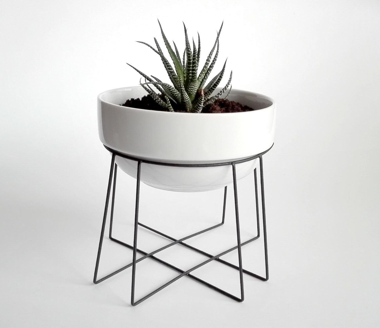 Link Geometric Plant Stand Spider With A Ceramic White Flower Pot Himmeli Elegant Geometric Terrariu Ceramic Flower Pots Geometric Terrarium Flower Pots