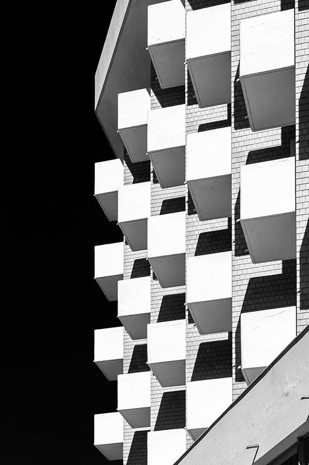 cubicity - facade of the alexandra plaza hotel in riccione