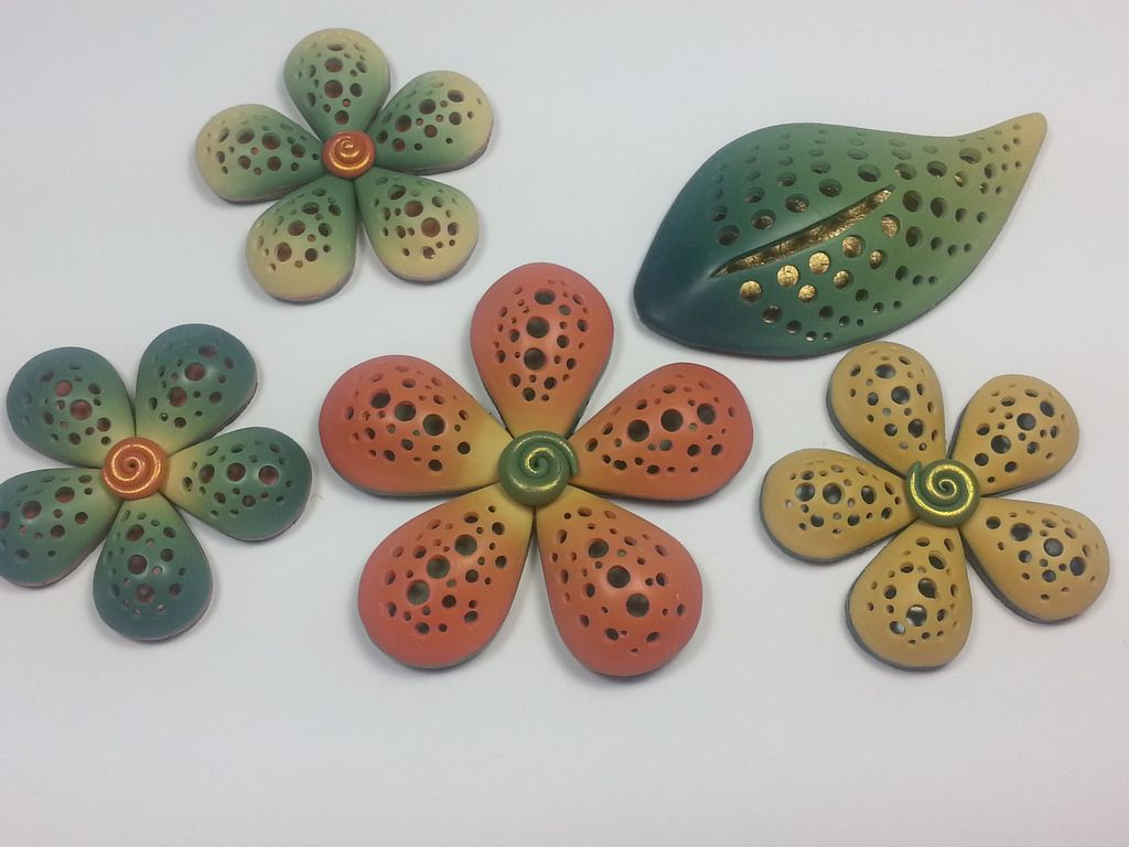 My new hollow pendants in polymer clay by Seana Bettencourt