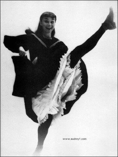 Crowy - Social Communication Dashboard Audrey Hepburn in Gigi