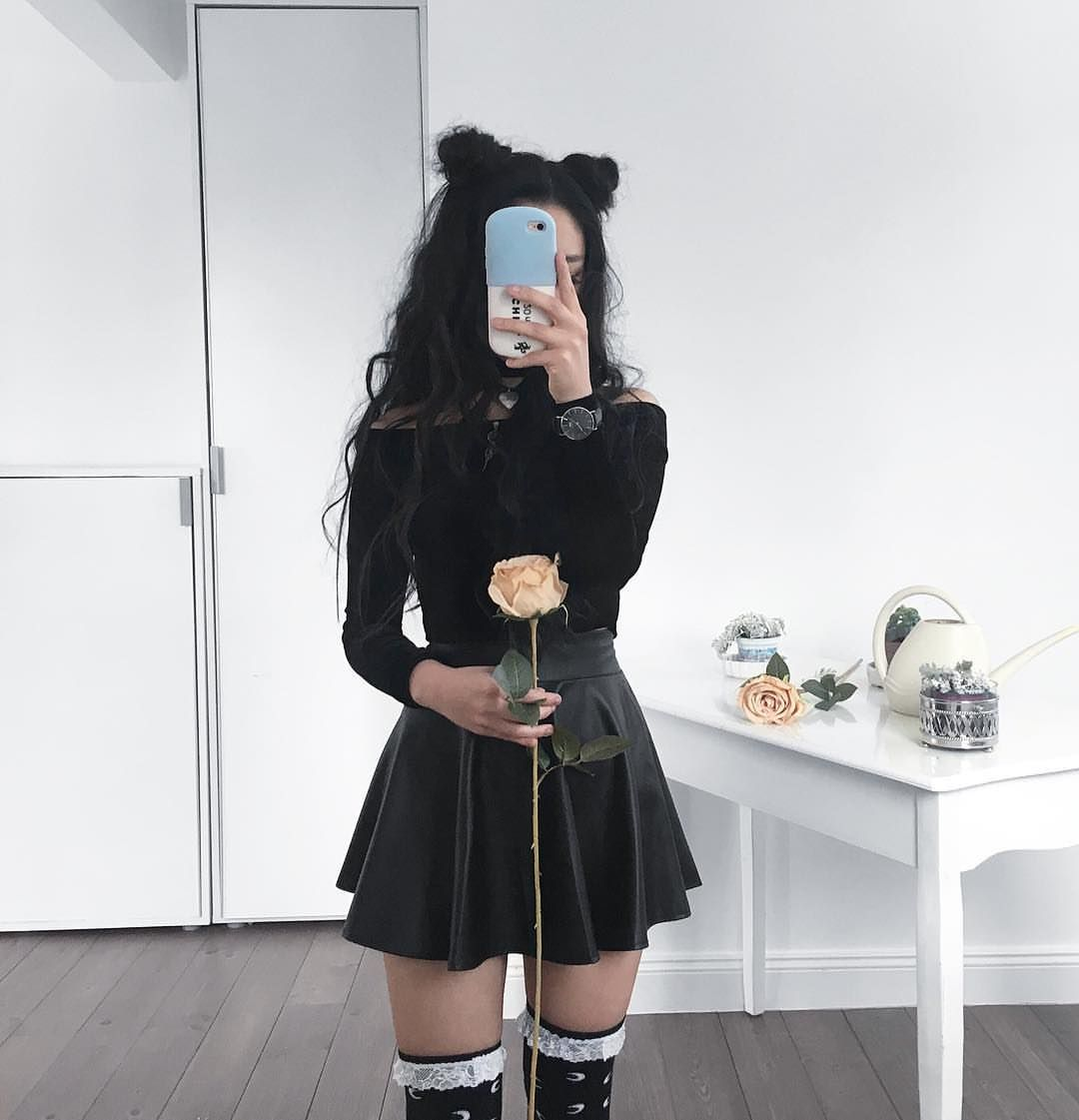 2019 year look- Pleated Black skirt tumblr pictures