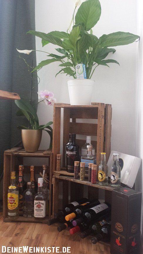 Spirituosenregal aus Weinkisten mit Anti Holzwurm Wärmebehandlung
