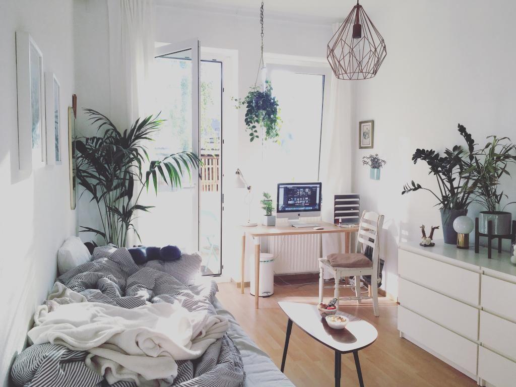Das wg zimmer wirkt gem tlich und luftig frei gleichzeitig die vielen pflanzen bringen frische - Babyzimmer gestaltungsideen ...
