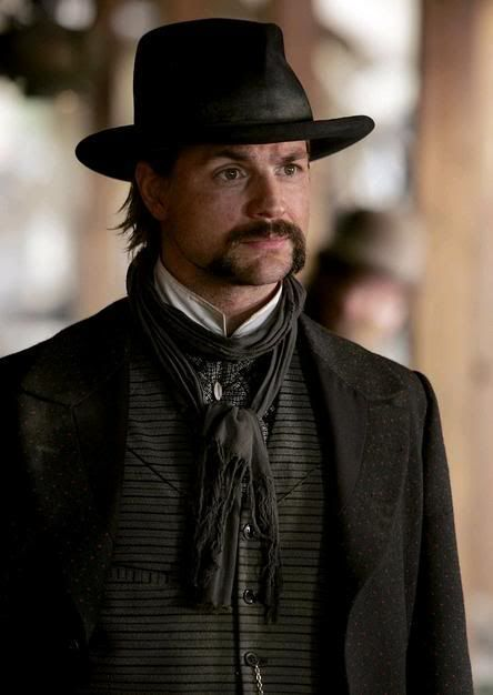 deadwood, gale harold, scarf