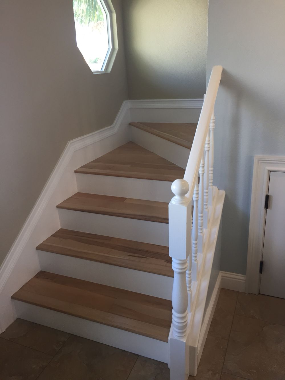 Natural maple wood stairs, white bannister, Benjamin Moore ...