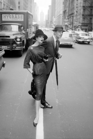 33 amazing vintage street style photos from the 1930s through the 1980s.
