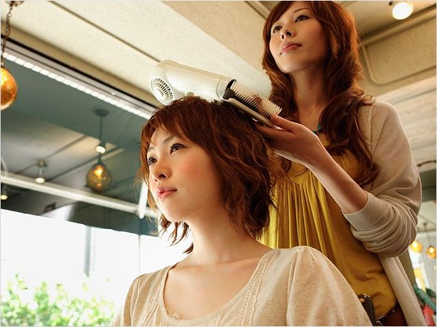 Louis Licari On The Best Hairstyles For Pregnant Women Hair Styles Maternity Hair Cool Hairstyles