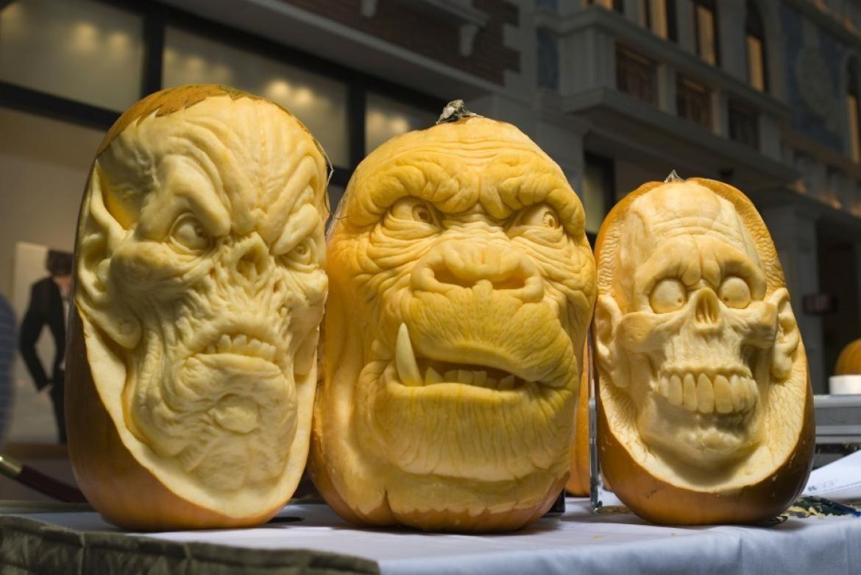 Mindblowing Halloween Pumpkin Carvings Halloweenpumpkins - Mind blowing pumpkin carvings by ray villafane 2