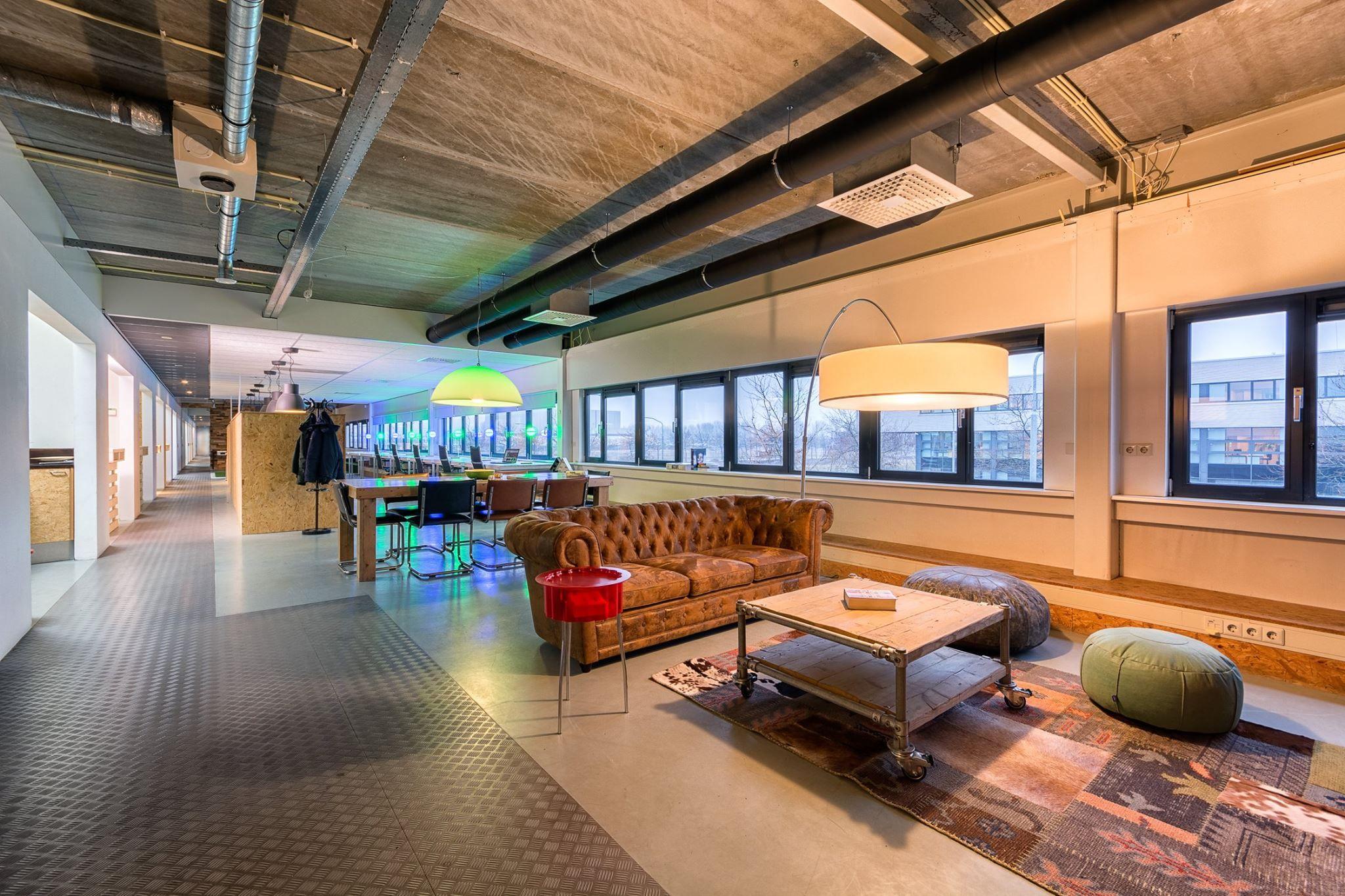 Kantoor Verlichting Pixel Universe | #Flexwerken #kantoorinterieur ...