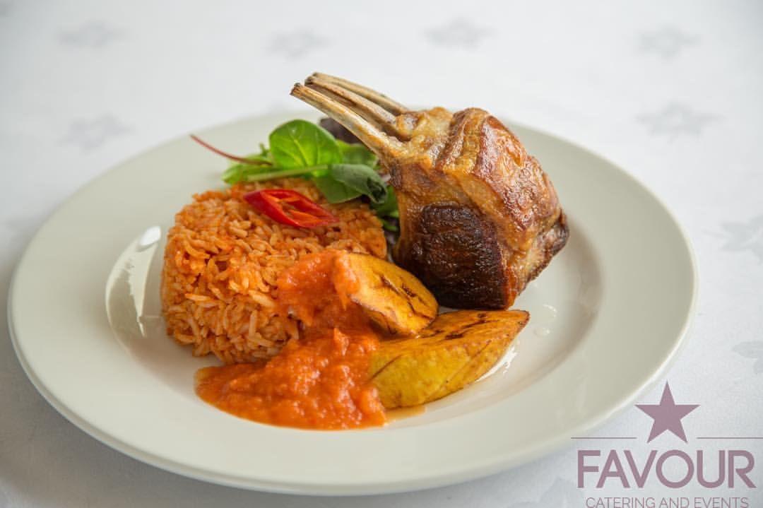 Yummmy  #Lunch...  : @favourcateringandevents✔️ #LoveweddingsNG #JollofRice #NigerianCaterer #FriedPlantain #Dodo