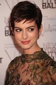 Tagli Capelli Corti Anne Hathaway Cerca Con Google Look Anne