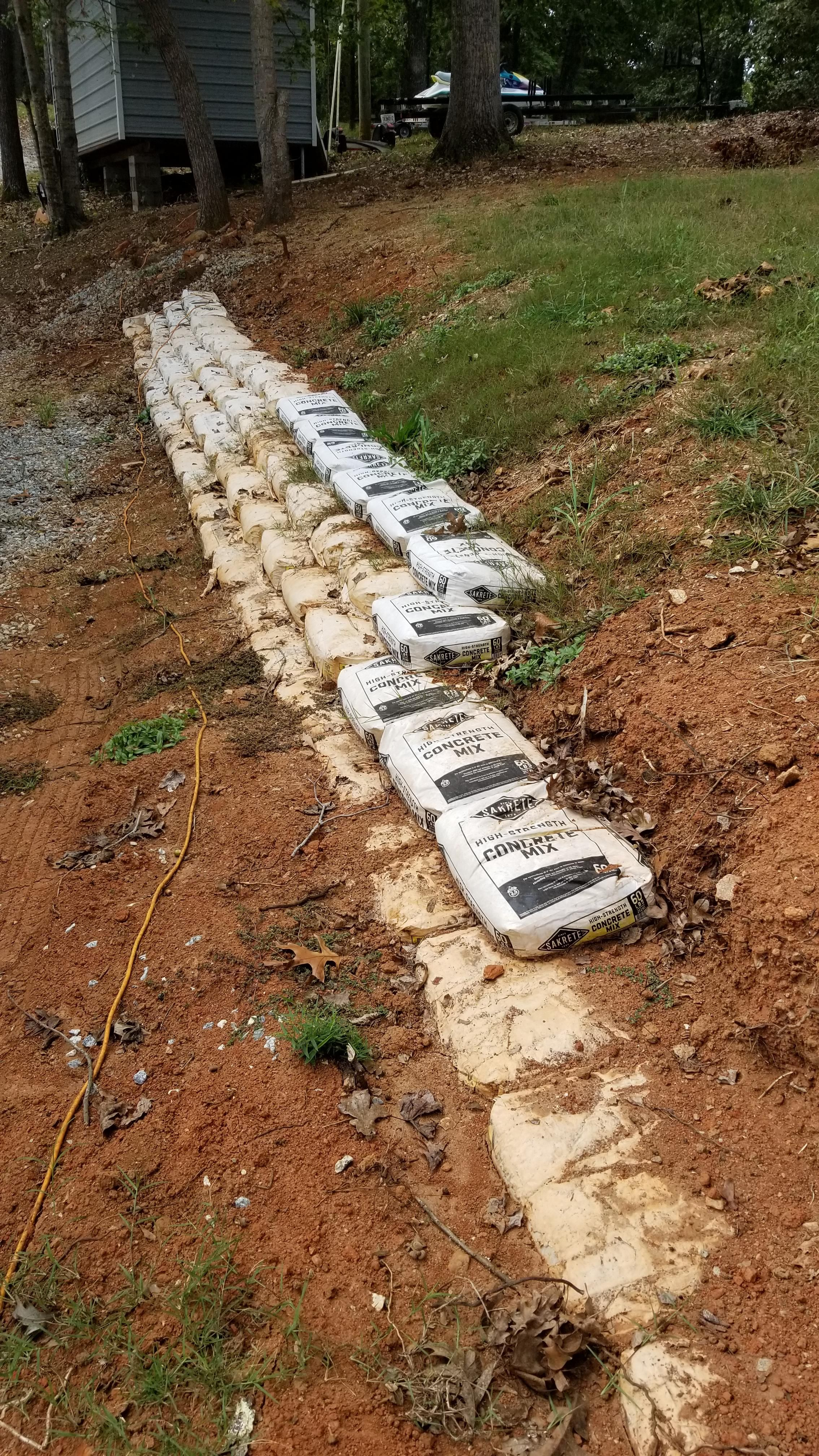 Retaining Wall Built From Concrete Mix Bags Retaining Wall Concrete Bags Diy Retaining Wall