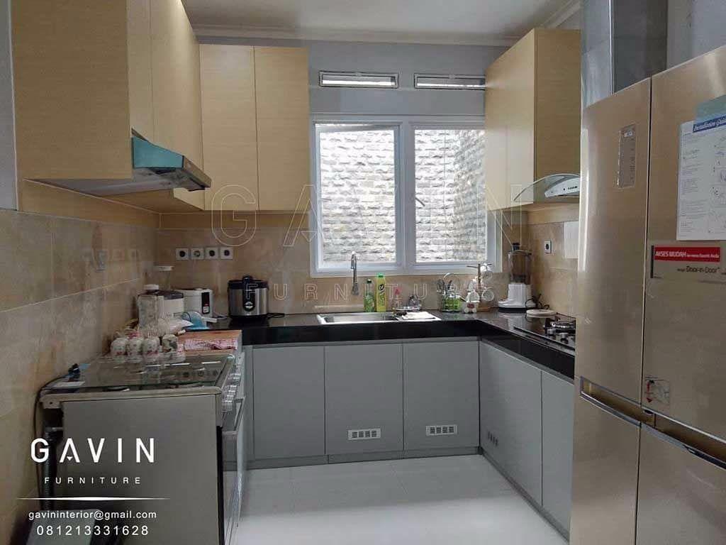 Review Kitchen Set Minimalis Modern Finishing Kombinasi Hpl Klien Di