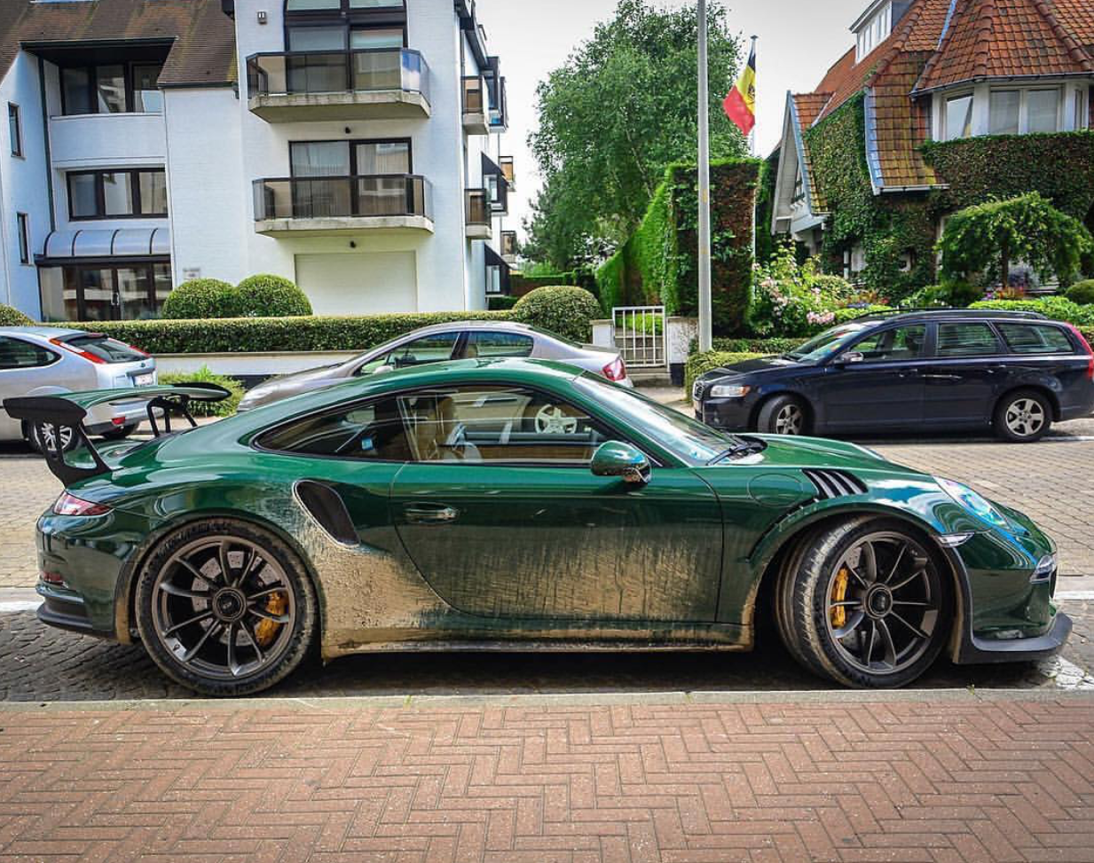 Porsches, old race cars, bikes, etc. Appreciator of all things ...