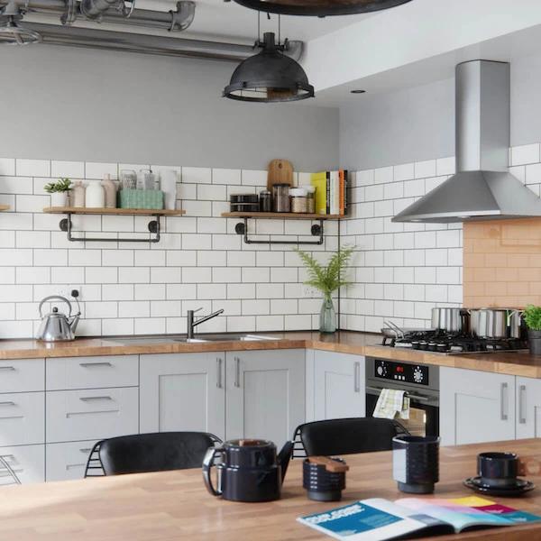 Metro White Flat Gloss 10x20cm In 2020 White Brick Tiles Kitchen White Kitchen Tiles Brick Tiles Kitchen