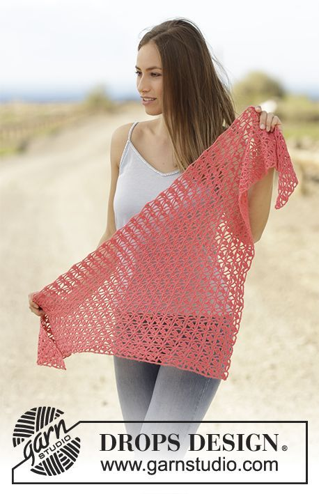 Lampone - Crochet shawl with lace pattern in DROPS Flora. Free ...
