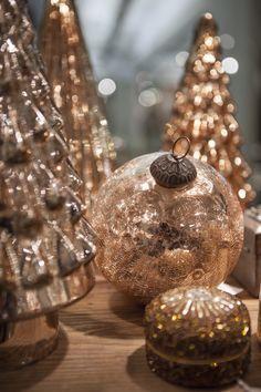Pin by Bahar on HGTV | Pinterest | Gold christmas