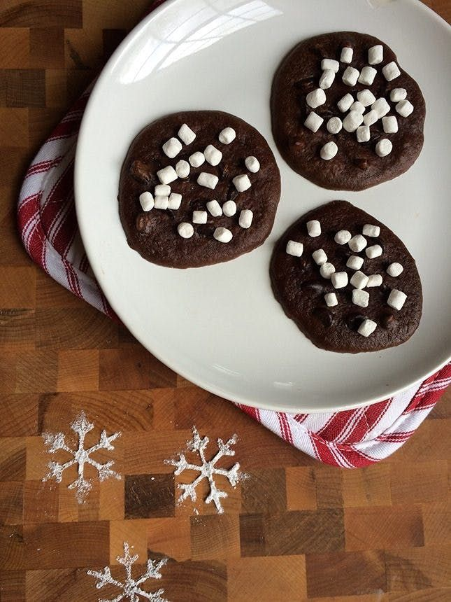 65 Insanely Easy Christmas Cookie Recipes to Keep You Busy Through