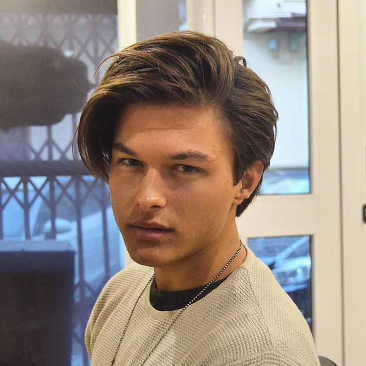 Fashionable Men S Haircuts Medium Length Hair Can Be Messy Or Neat Classic Or Modern Worn Up Or Down Mor Fashion Inspire Fashion Inspiration Magazi Mens Haircuts Medium Haircuts