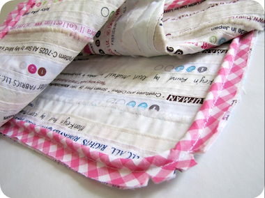 #Sewing Piping - Easy #tutorial for sewing in a piping, a great place to start if you've never tackled #piping before!