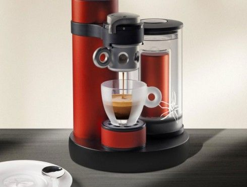 Illy kiss designboom01 things todd likes pinterest caf m quina de caf espresso and - Cafetera illy ...