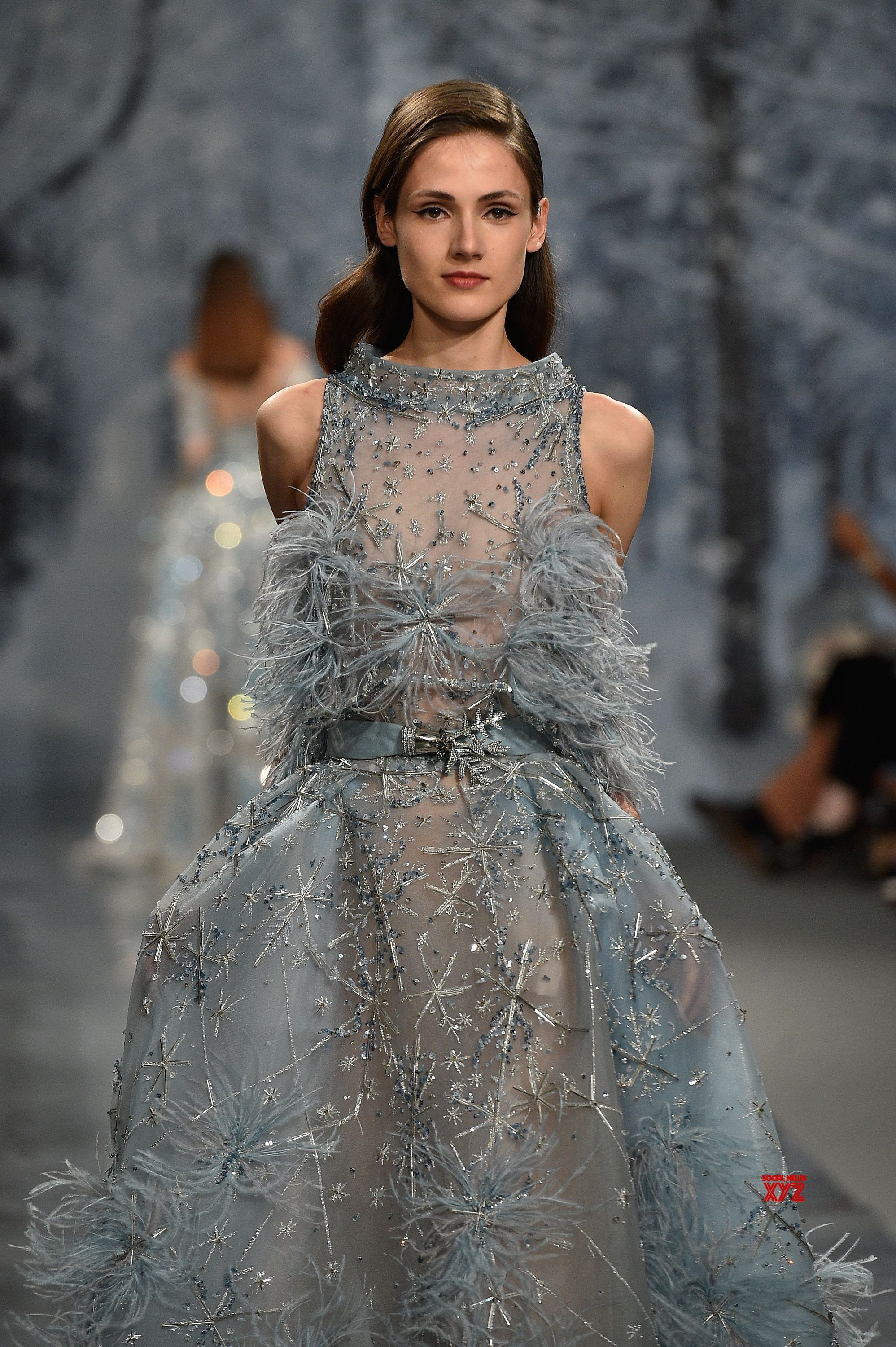 Maison ziad nakad haute couture fall winter 2017 18 runway for Haute couture winter