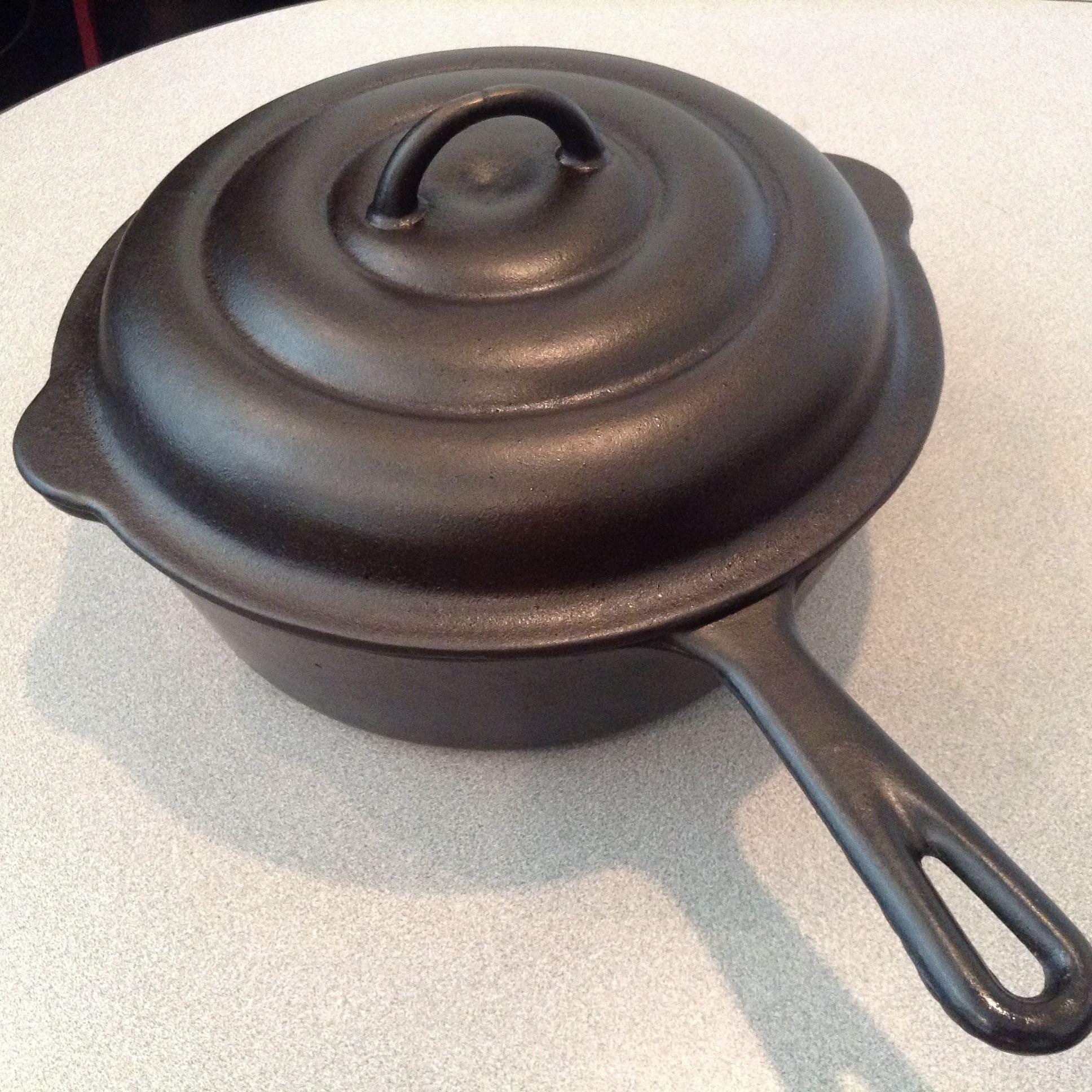 8 Mi Pet Western Foundry Chicken Fryer On The Bottom It Reads Keeps Foods Tasty Cast Iron Cookware Cast Iron Cooking Cast Iron Recipes