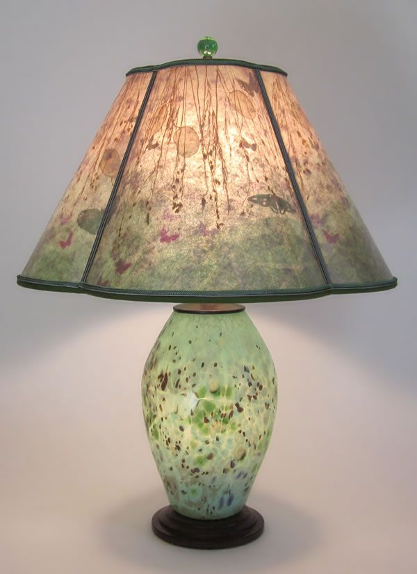 T250 Lindsay Art Gl Speckled Green Lamp With Lighted Base Quatrefoil Mica Shade Gres And Erflies