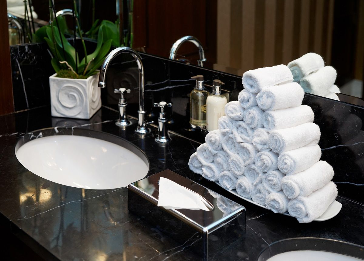 Add That Extra Touch Of Elegance To Your Guest Bathroom With Individually Rolled Hand Towels Which Can Be Used Restroom Hand Towels Guest Bathroom Hand Towels