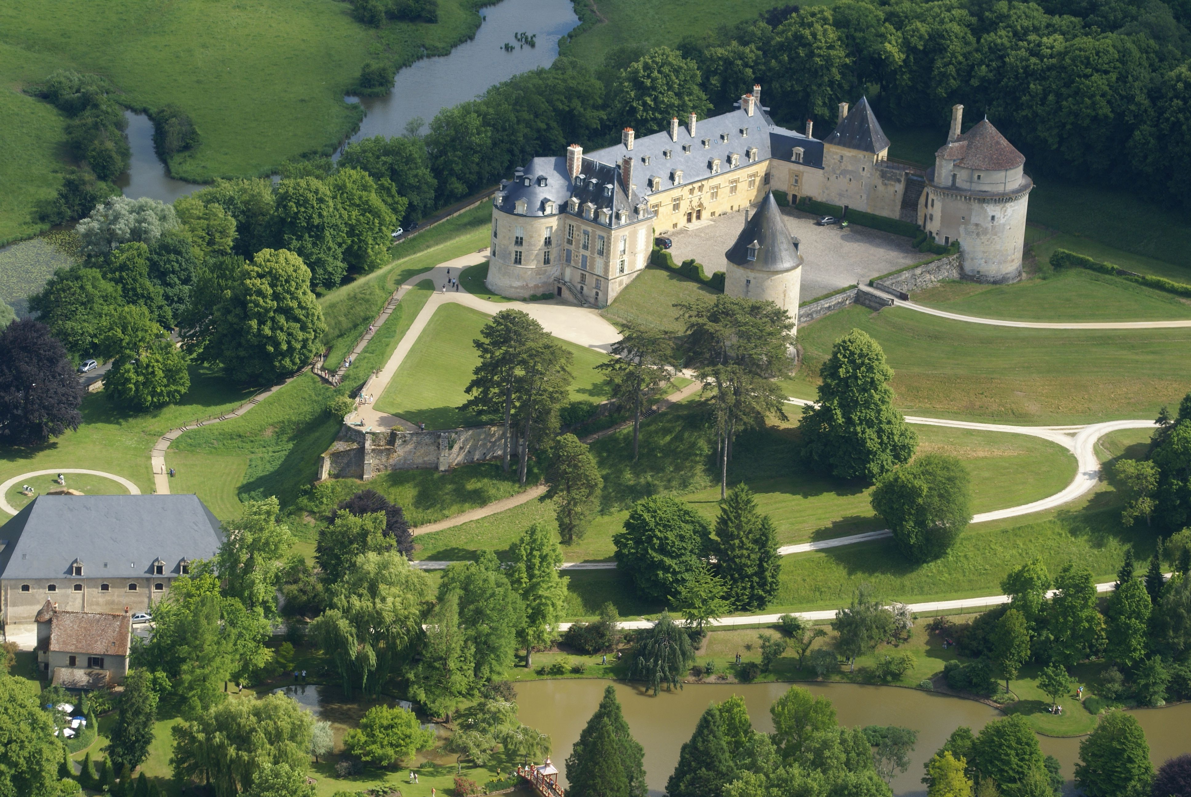 Apremont Sur Allier Chateau Apremont Sur Allier Architecture French Pinterest Castle
